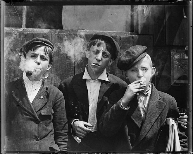 Newsies at Skeeter's Branch by Lewis Hine